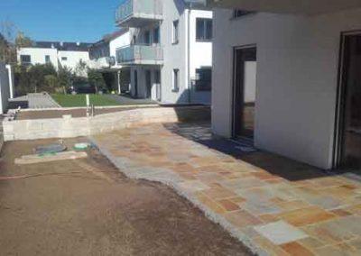 Terrasse und Garteneinfassung