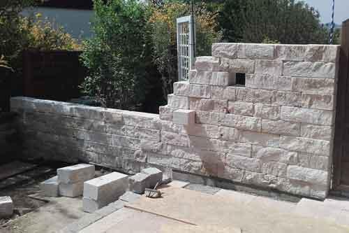 Natursteinmauer